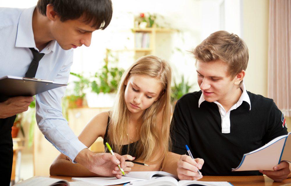 Saiba como incentivar alunos de idiomas com as tarefas de casa